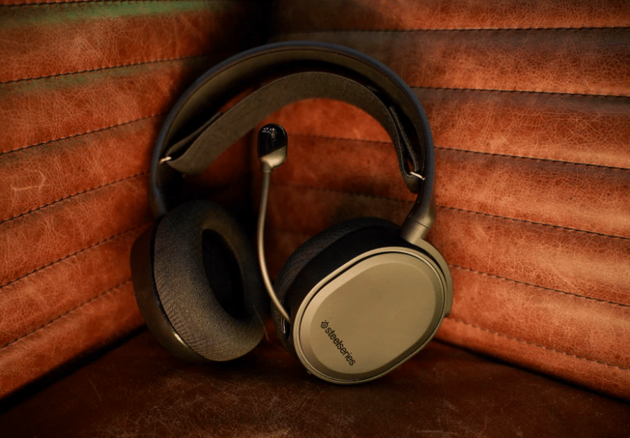 SteelSeries Arctis 5 Gaming Headset Review