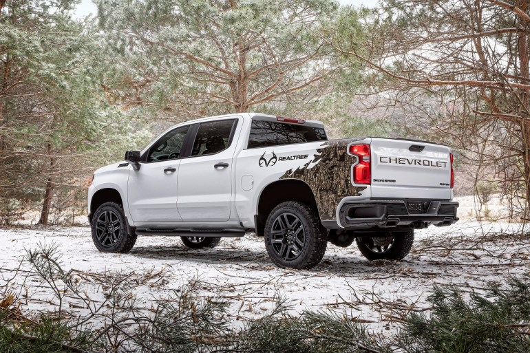 GM officially announces Chevrolet Silverado electric pickup with 650 km range will be assembled at Factory Zero in Detroit