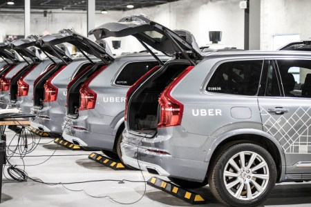Uber pledges to achieve zero emissions by 2035 and signs a manifesto of six commitments to restore mobility